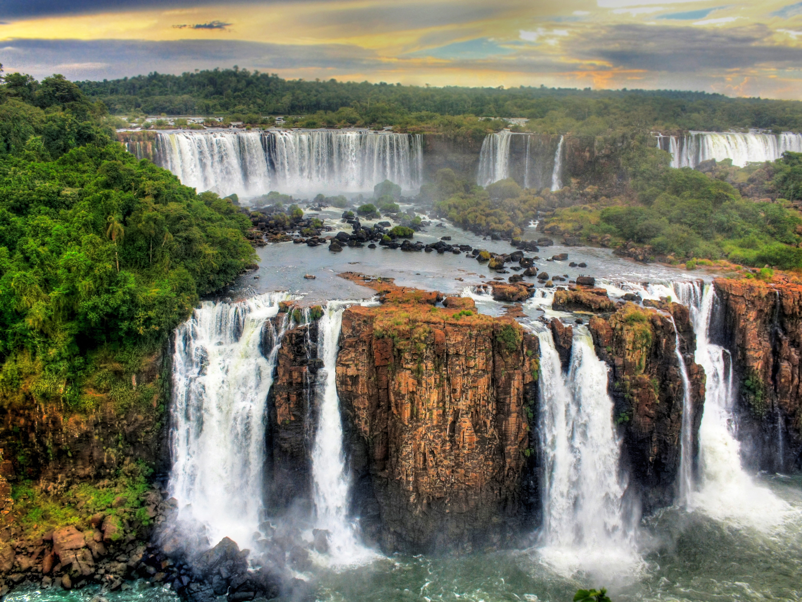 Family summer holiday to Iguazu Falls