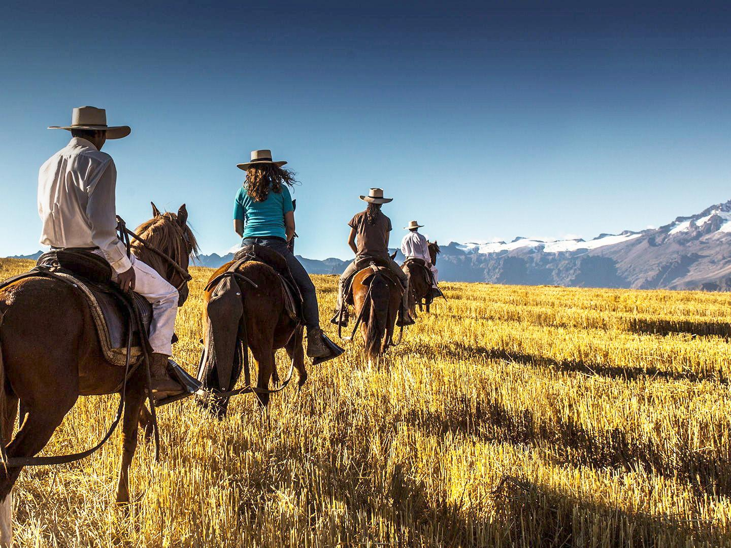 Horse riding in the Sacred Valley, Hotel Sol y Luna
