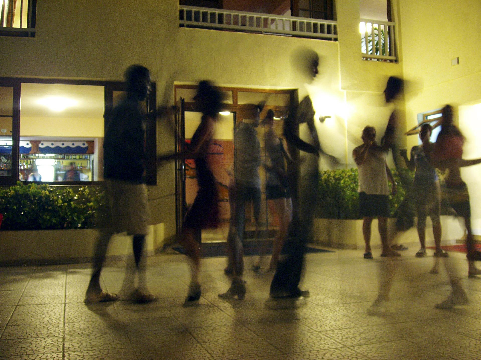 Salsa dancing, Medellin City Guide